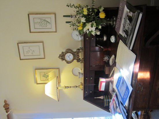 Ballymote Country House: Curtis Room. Main ensuite