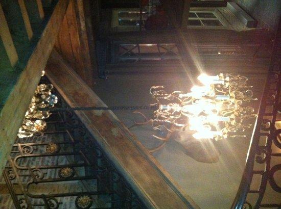 Le Barbue d'Anvers : Лестница на второй этаж