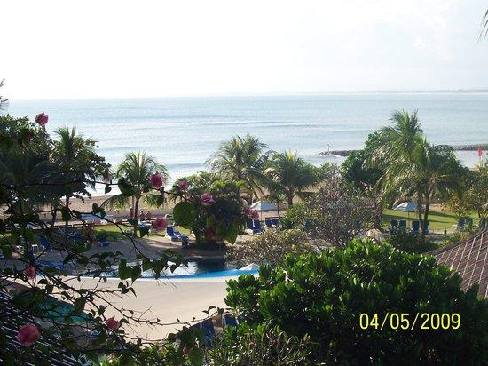 Discovery Kartika Plaza Hotel: View from the 4th floor balcony