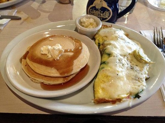 Egg Harbor Cafe: Tuscan Omelette with a short stack