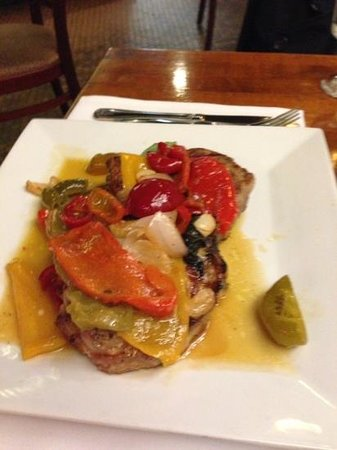 Il Cortile : pork chops with sweet and hot peppers