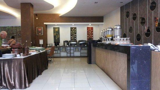 Hotel Jentra Dagen : Breakfast