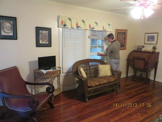 Authors Key West Guesthouse: Living Room