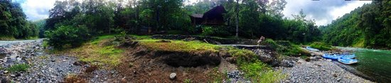 Pacuare Lodge : we arrive in rafts
