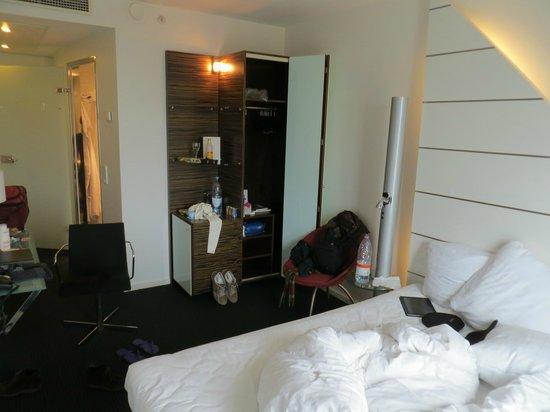 Copenhagen Island Hotel : Quarto moderno, limpo e confortável.