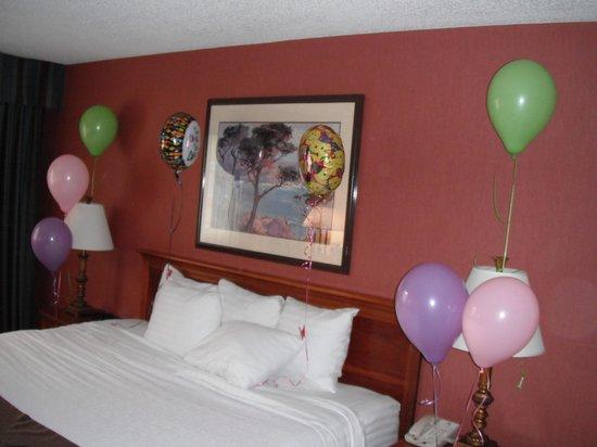 Holiday Inn Hinton: Inside the room