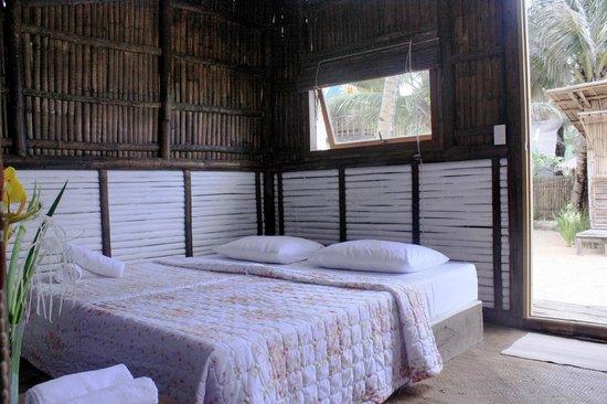 MangoRiders Beach Club: fan cooled cottage