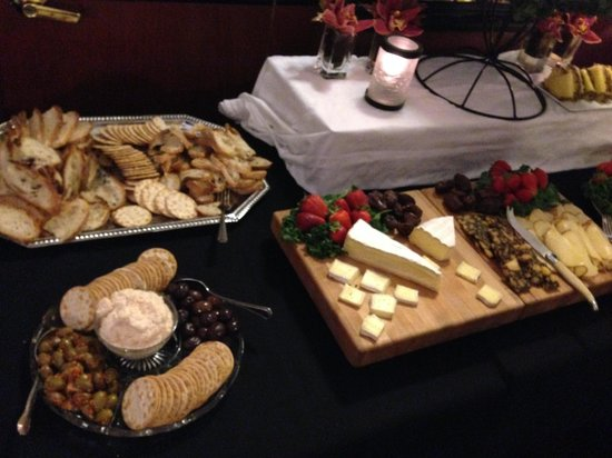 Hotel Metro : A few of the different biscuits, cheeses, snacks.