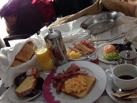 Saint George Lycabettus: Breakfast