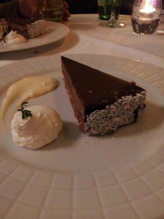 Esplanade Zagreb Hotel: Postre en el Restaurante. Torta de chocolate.
