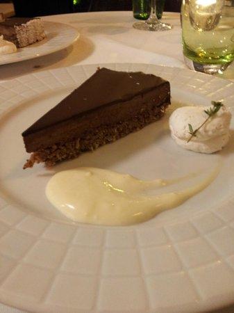 Esplanade Zagreb Hotel: Postre. Torta de Chocolate.