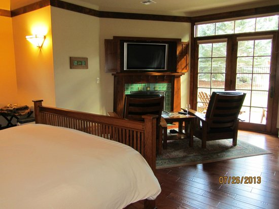 Five Pine Lodge & Spa: Lodge Suite #1