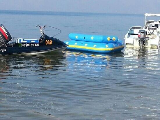 Chonburi, Thailand: เครื่องเล่น ริมหาดค่ะ ณ.บางแสน