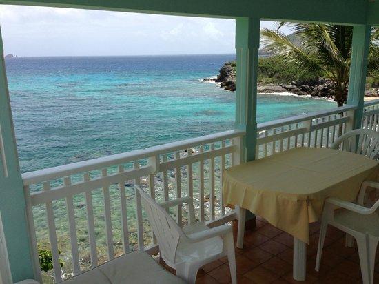Auberge de la Petite Anse: Patio