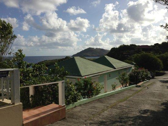 Auberge de la Petite Anse: From road/parking area