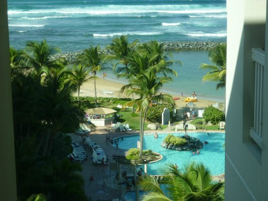 Embassy Suites by Hilton Dorado del Mar Beach Resort: Pool & Beach View