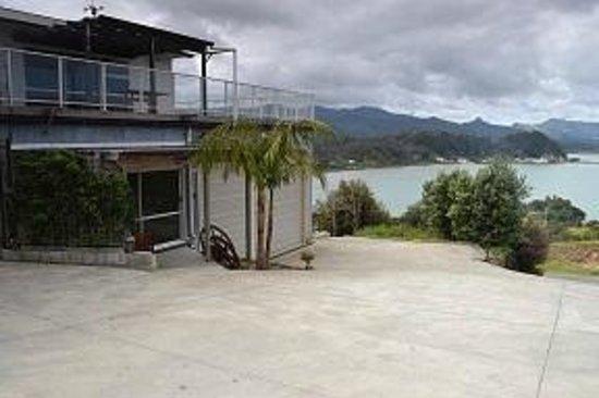 Coromandel Seaview Motel Style B&B : View from drivewy