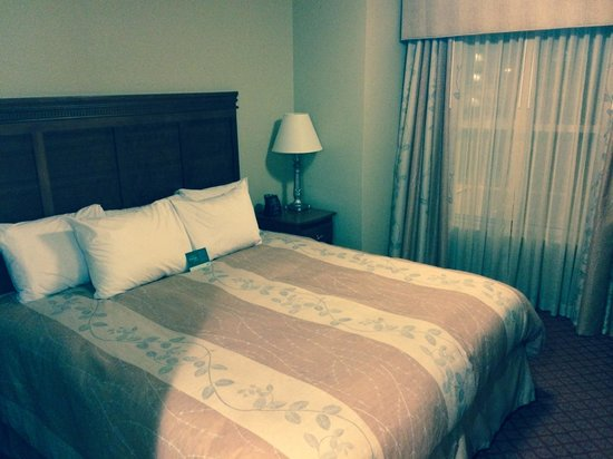 Homewood Suites by Hilton Princeton: Usual Comfy Hilton Bed