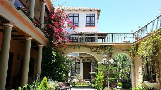 Hotel Boutique Mi Pueblo Samary: Courtyard