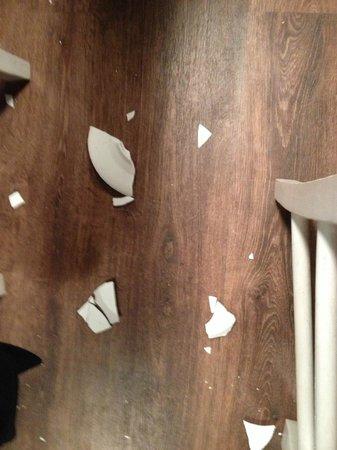 Dionisios: Platos rotos