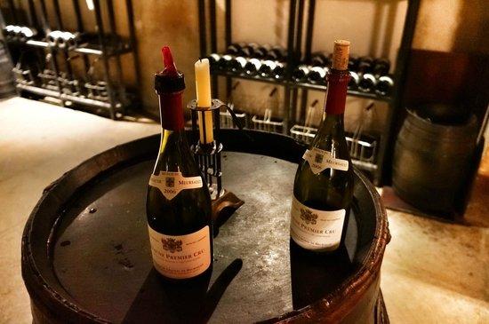 Marché aux vins : Garrafas para degustação