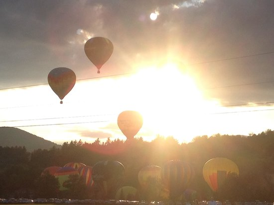 Sun & Ski Inn and Suites: Balloon festival