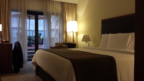 L'Hotel Porto Bay Sao Paulo: cama muito boa ! lençois excelentes.