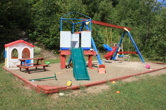 Motel Le Radisson De Val-david: Children's playground