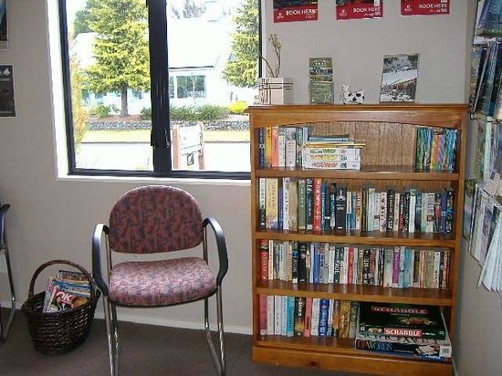 Lakefront Lodge: Book Swap