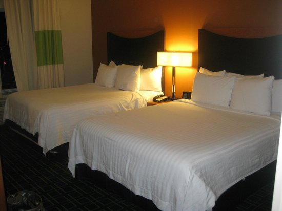 Fairfield Inn & Suites Tallahassee Central: Two comfy queen beds