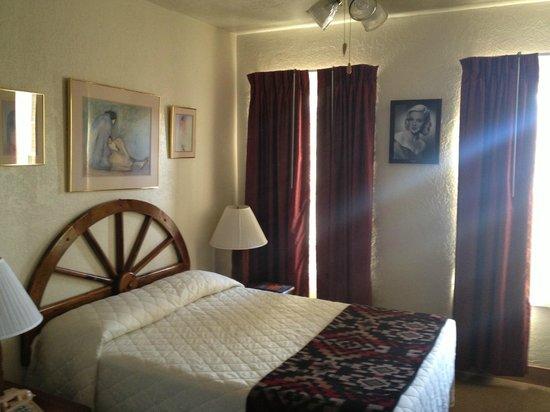 El Rancho Hotel & Motel: Bedroom