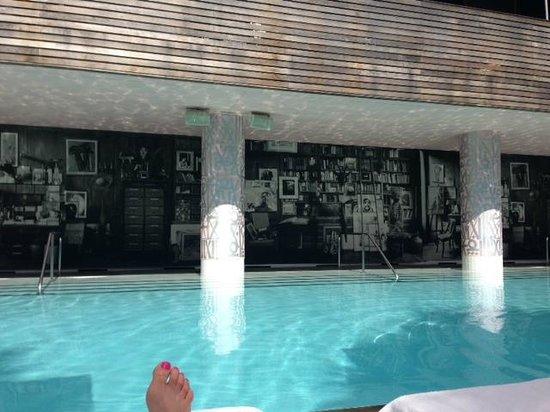 SLS South Beach : Pool area