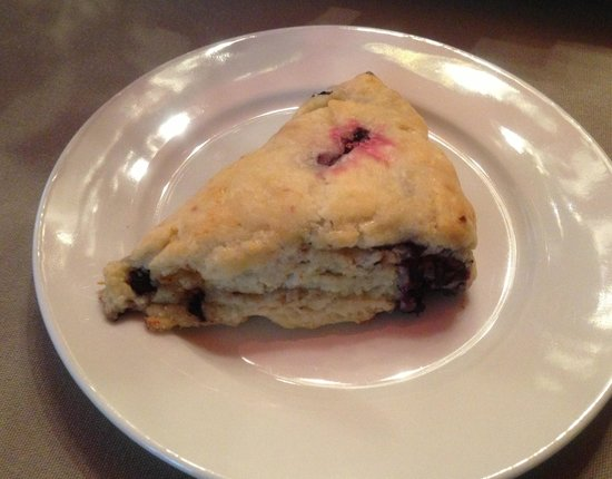 The Lancaster Bed and Breakfast: Fresh berry scone - yumms!