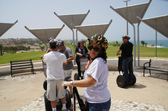 Segs - Segway Tours : Segs at a gathering point