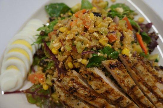 Upper Deck Ale & Sports Grille : Quinoa Salad