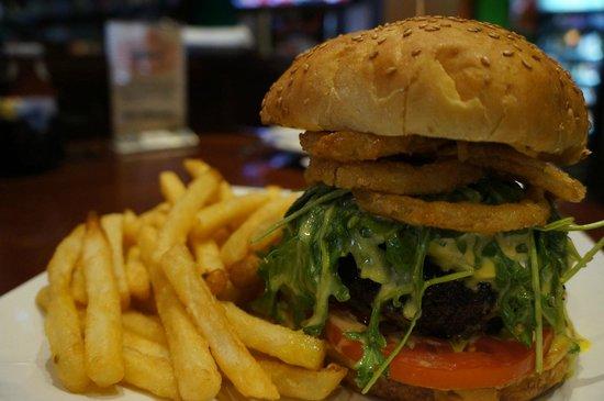 Upper Deck Ale & Sports Grille : Wolverine Burger