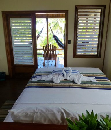Pelican Beach - South Water Caye: Interior of our cottage