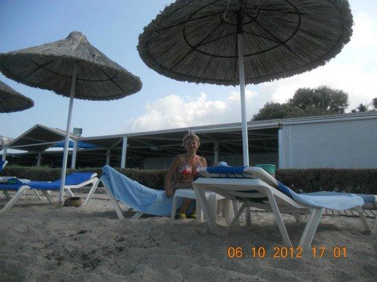 Aldemar Cretan Village: пляж