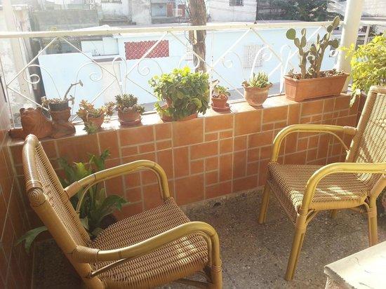 Ramiros House: Балкончик в общей комнате