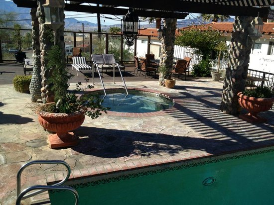 Tuscan Springs Hotel and Spa : Hot pool - outside