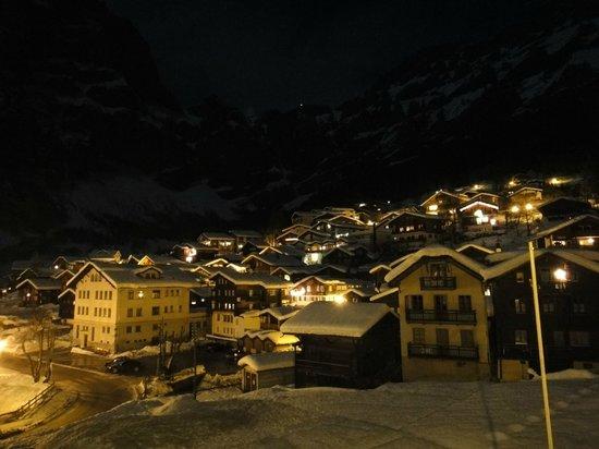 Hotel dala: Сказочный вид с балкона ночью
