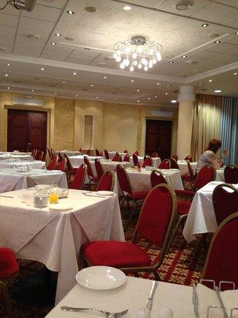 Premier Hotel Rus : Зал ресторана
