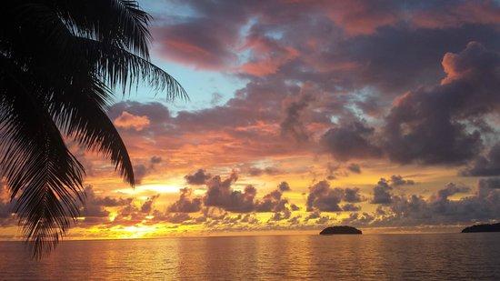 Sunset Bar at Shangri-La's Tanjung Aru Resort and Spa: just breathtaking