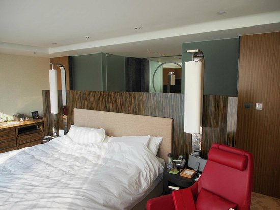 Hotel ICON: 38 Room - Bed