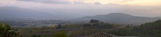 Le Clos de la Glycine : Roussillon panorama