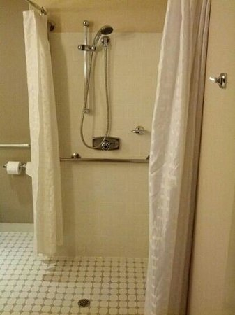Stamford Grand Adelaide : shower: 158 $ per night