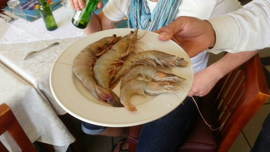 Red Sea Fish Restaurant : Креветки на выбор.