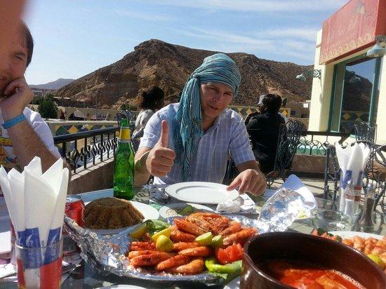 Red Sea Fish Restaurant : Хороший вид с терассы.