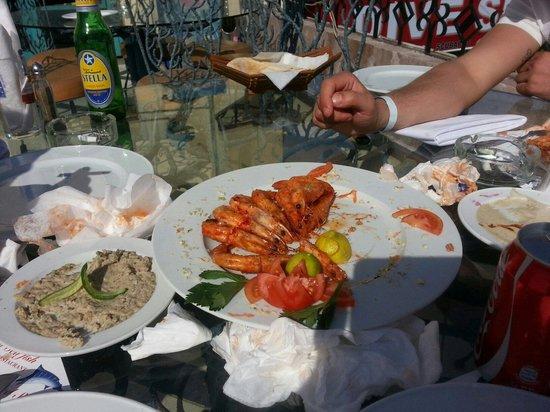 Red Sea Fish Restaurant : Не смогли осилить.)))) Оооочень вкусно!!!
