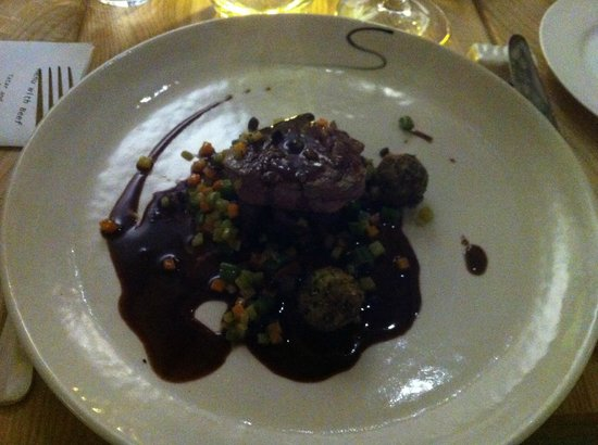 Springfontein Eats: Oxtail & Filet from Beef